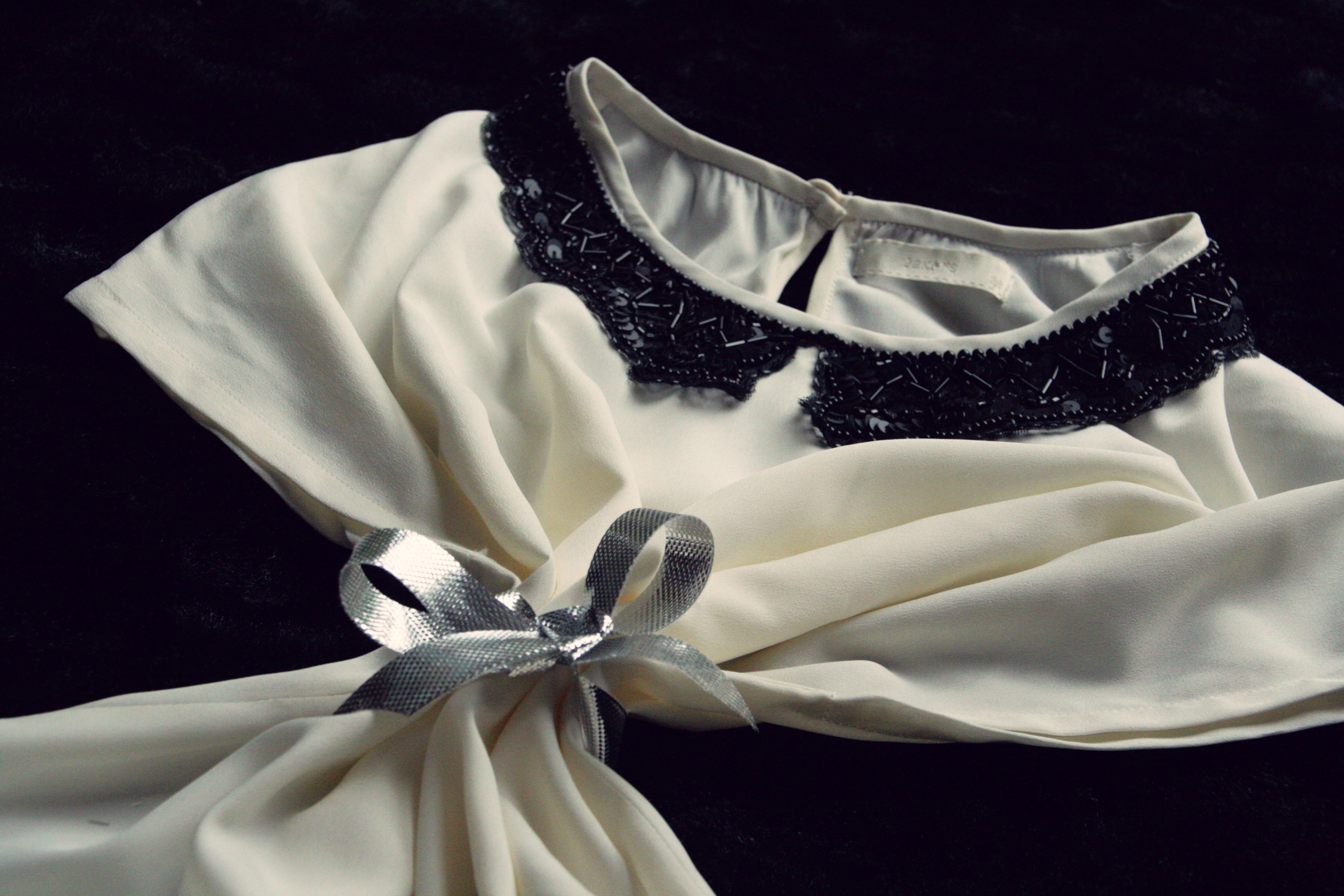 Blüschen mit Perlenkragen von JAKE*S (by Peek&Cloppenburg)