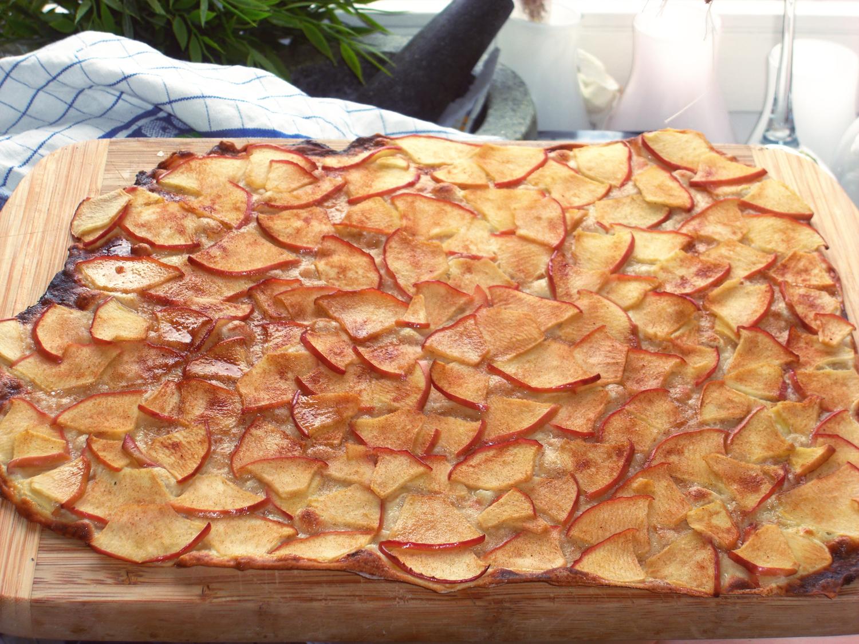 Apfel-/Zimt-Flammkuchen