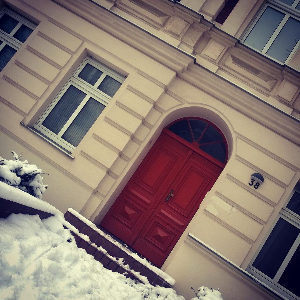 Für mehr rote Haustüren auf dieser Welt!