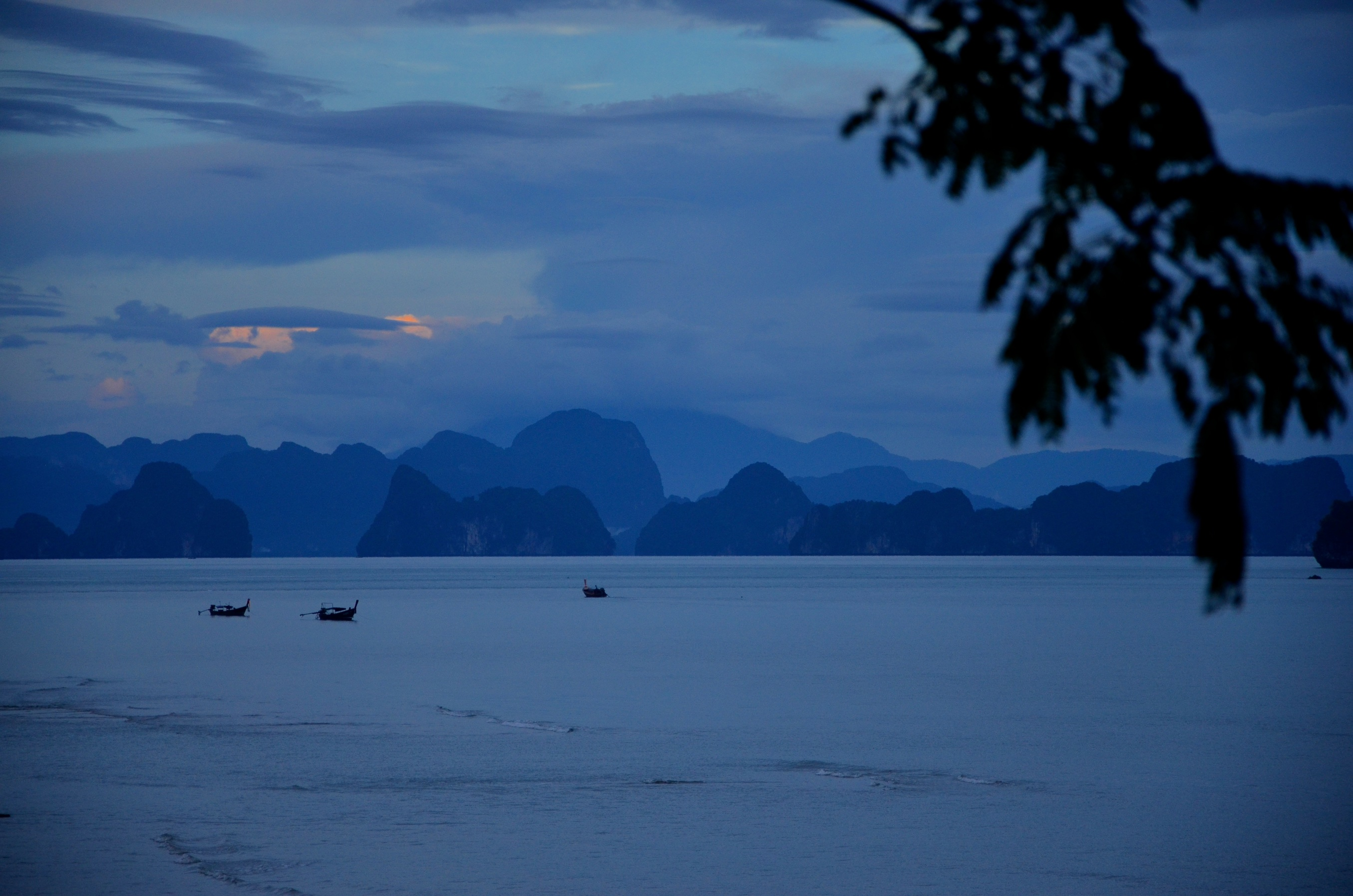 Wie schön kann unsere Erde sein?! Atemberaubende Aussicht auf der Insel Koh Yao Yai